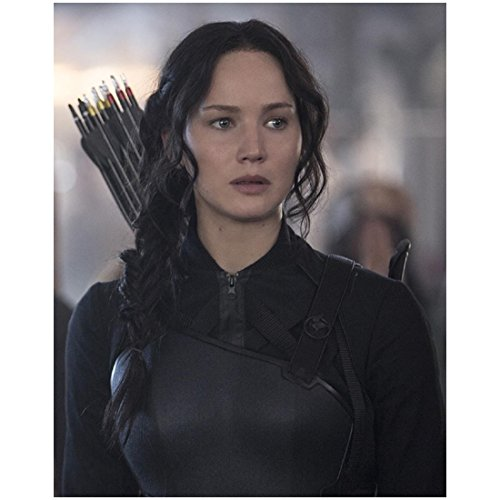 Katniss Everdeen in all black with Quiver - The Hunger Games : Mockingjay - 8x10 Photograph / Photo - Jennifer (Katniss Bow Mockingjay)