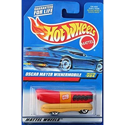 Oscar Mayer Wienermobile Hot Wheels 1:64 Scale Collectible Die Cast Metal Toy Car Model  #204: Toys & Games