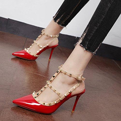 Xue Qiqi zapatos de tacón alto las mujeres pintaban remache cuero Baotou sandalias solo zapatos con punta fina El rojo