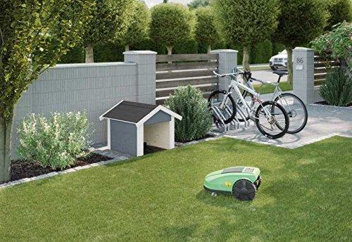 Weka Rasenroboter-Garage grau Sockelmaß: (B x T) 67 x 75 cm Außenmaß: (B x T) 80 x 87 cm Wandstärke: 21 mm Gesamthöhe: 71 cm Bauweise: modernes Schraubsystem Ausführung: grau