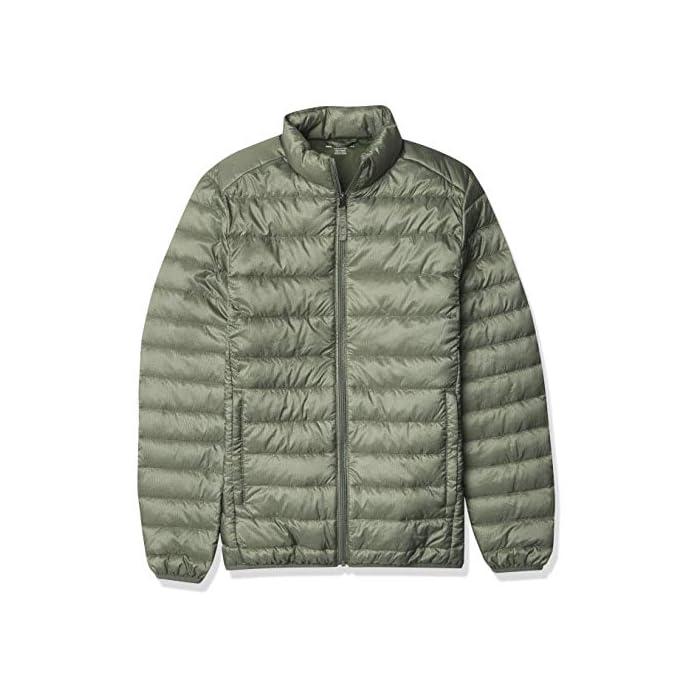 51DZiyhrRhL Vestirse con un clima frío es fácil con esta chaqueta versátil, acolchada, ligera y resistente al agua que cuenta con una cremallera completa frontal y un cuello alto. Cuello alto, bolsillos con cremallera, puños elásticos. Exterior: 100% Nylon; Forro: 100% Nylon; Relleno: 100% Poliéster