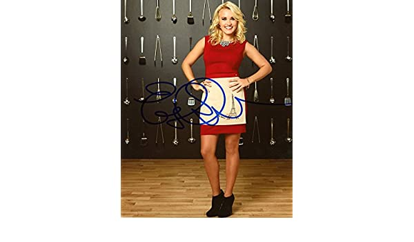 Emily Osment YOUNG AND HUNGRY In Person Autographed Photo at Amazons Entertainment Collectibles Store
