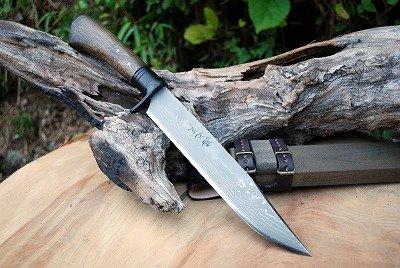 土佐自由鍛造 火床作り 狩猟剣鉈両刃 raku0918-020 B00SAZ9Y5E