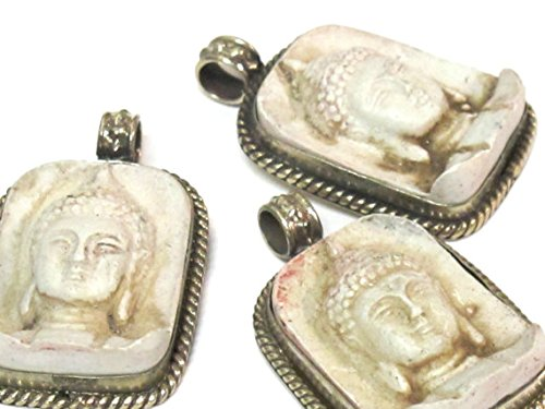 Tibetan white color Buddha face pendant from Nepal - PS001A ()