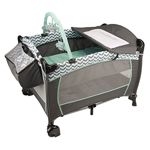 Evenflo Portable BabySuite Deluxe, Spearmint Spree (Graco Travel Playpen)