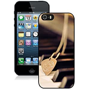 Beautiful Custom Designed iPhone 5S Phone Case For Pendant On The Piano Phone Case Cover