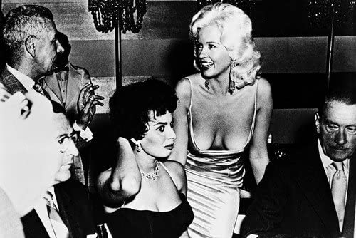 B00L7V30LM Jayne Mansfield huge breasts in open dress looking at Sophia Loren 24x36 Poster 51De2TLsdwL