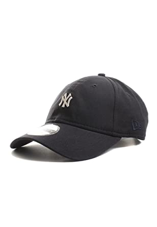 6aa515b3dd3 New Era 9TWENTY New York Yankees Baseball Cap - Classic Mini Logo - Navy  One-