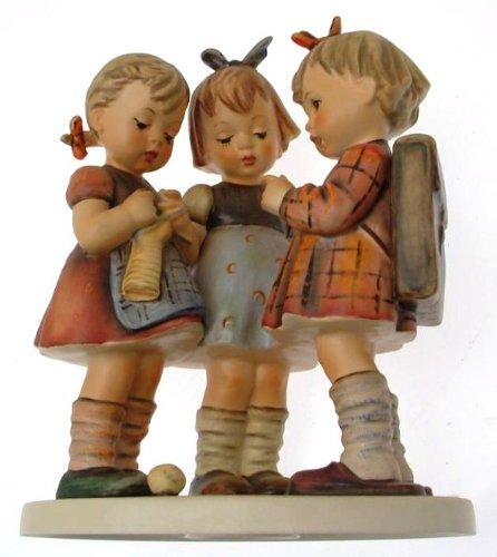 Hummel Girl (c1964 HUM177 Hummel School Girls figurine - NEGR44)