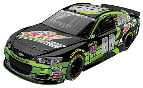 Lionel Racing C886821MDEJ Dale Earnhardt Jr # 88 Mountain Dew 2016 Chevrolet SS ARC HOTO NASCAR Official Diecast Vehicle (1:24 Scale)