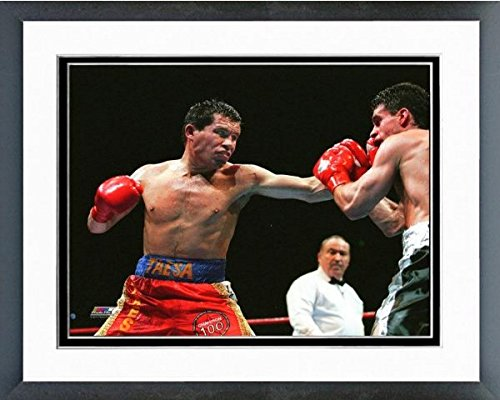 Chavez Framed - Julio Cesar Chavez Boxing Action Photo (Size: 12.5
