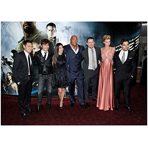 G.I. Joe: Retaliation (2013) 8x10 Photo Director & Cast in Front of Movie Poster on Curved Wall kn