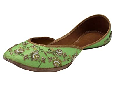 a6e76c5bb188 Step n Style Ladies Light Green Artwork Punjabi Jooti Jutti Pakistani Jutti  Bridal Mojari  Buy Online at Low Prices in India - Amazon.in