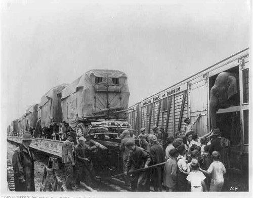 HistoricalFindings Photo: Ringling Brothers,Barnum & Bailey Circus,Train,Elephant,Wagons,Boxcar,Big Show