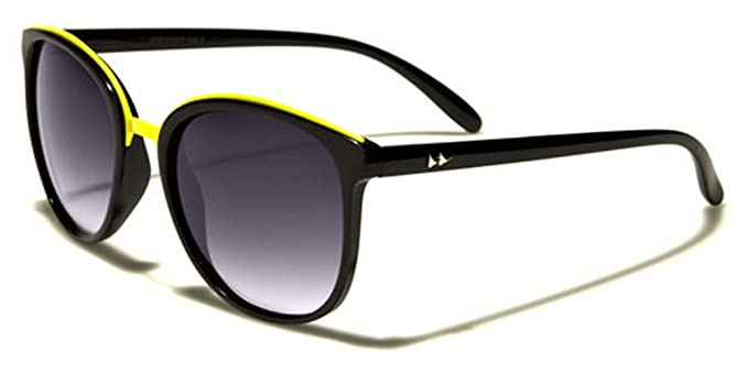 868f5d540bc Amazon.com  Retro Rewind Horn Rimmed Cat Eye Shaped Frame Vintage 70 s  Fashion Sunglasses  Clothing
