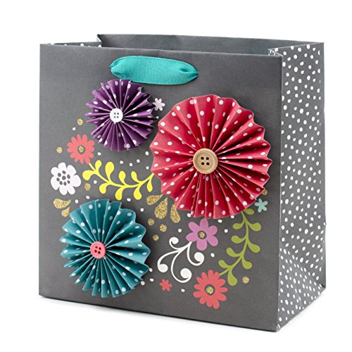 (Hallmark Signature Medium Gift Bag (Flower Medallion))