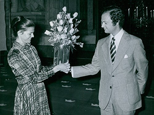 Vintage photo of Queen Silvia and King Carl XVI Gustaf with a silver sweater by Theresia Hoorslev at the National Museum Friends' Annual -
