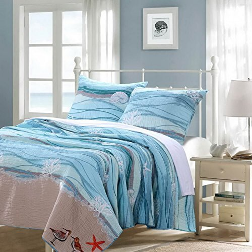 Finely Stitched Nautical Blue 100-percent Cotton Bedding Quilt and Sham Set King Size For Sale