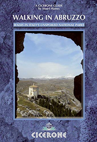 Walking in Abruzzo (Cicerone Guides)