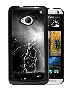 New Beautiful Custom Designed Cover Case For HTC ONE M7 With Storm Lightening Over City Phone Case