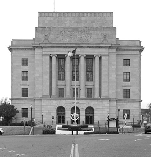 24 x 36 B&W Giclee Print of Texarkana U.S. Post Office and Federal Building 2013 Highsmith 99a
