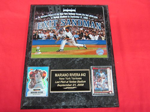 Mariano Rivera FINAL PITCH AT YANKEE STADIUM 2 Card Collector Plaque w/ 8x10 ()