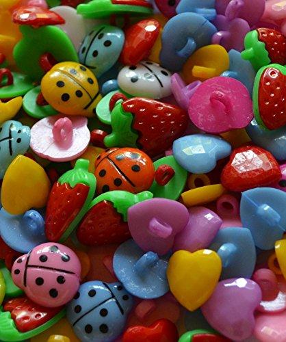 Knöpfe für Kinder Kinderknöpfe Knopf Scrapbooking Mischung aus 75 Stück Erdbeeren Herzen und Marienkäfer