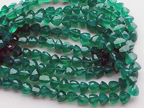 KALISA GEMS Beads Gemstone 1 Strand Natural Green Onyx Trillion Cut Beads, Green Onyx Pyramid Faceted Beads, Emerald Green Onyx, Original Green Onyx Necklace, 7-8mm 8