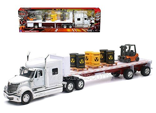 (NEW 1:32 NEWRAY TRUCK & TRAILER COLLECTION - LONG HAUL INTERNATIONAL LONESTAR FLATBED W/ TOXIC BARRELS & FORKLIFT Diecast Model By NEW RAY TOYS)