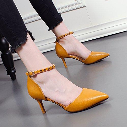 KHSKX-Otoño Nuevo Sharp Cabeza Del Remache Zapatos De Mujer Zapatos De Hebilla De Adorno Una Palabra De Tacón Alto Zapatos De Tacon Fino Hollow Sola Marea Femenina yellow