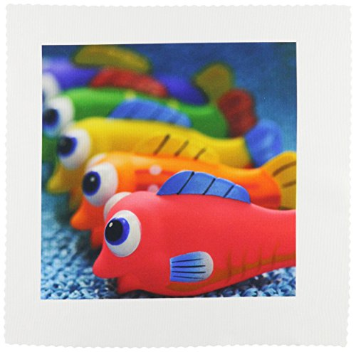 3dRose qs_93588_5 USA, Oregon, Portland Fish Bathtub Toys Us38 Bja0464 Jaynes Gallery Quilt Square, 14 by 14-Inch (Fish Pattern Quilt)