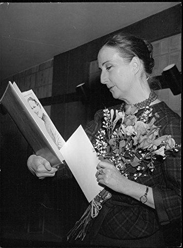 Vintage photo of Swedish Damtidnings Academy Award presented to Birgit Cullberg for her efforts in cultural life and society. Birgit Cullberg with its price