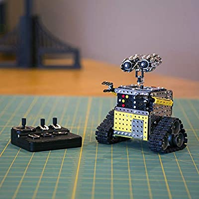 Fat Brain Toys DIY RC Construction Robot - Real Engineering/Real Construction: RC Robot Building & Construction for Ages 6 to 10