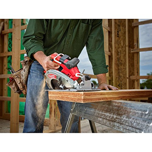 Milwaukee M18 FUEL 18-Volt Lithium Ion Brushless Cordless 7 1/4 in. Circular Saw with M18 18-Volt 9.0Ah Starter Kit   Modern Hardware Power Tools for Your Carpentry Workshop or Machine Shop by Milwaukee (Image #6)