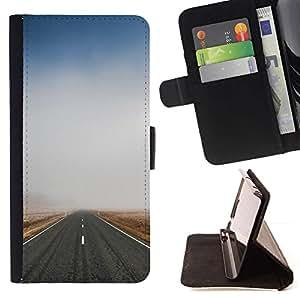 For Motorola Moto E ( 1st Generation ) Case , Naturaleza Niebla Camino- la tarjeta de Crédito Slots PU Funda de cuero Monedero caso cubierta de piel