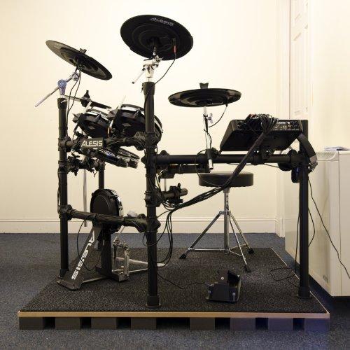 Advanced Acoustics Acoustic Treatment Isolierungsset für Schlagzeug, Platte aus Studioschaumstoff 2.44 x 2.44 meter (Schlagzeug nicht im Lieferumfang enthalten)