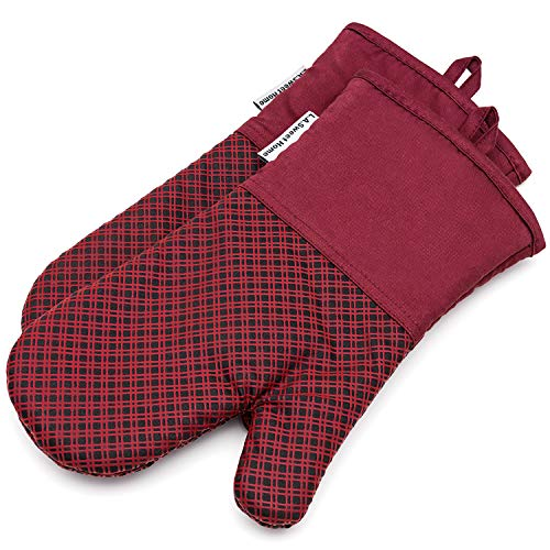 LA Sweet Home Silicone Oven Mitts 464 F Heat Resistant Potholders Plaid Cooking Gloves Non-Slip Grip for Kitchen Oven BBQ Grill Cooking Baking 7x13 inch as 1 Pair (Red)