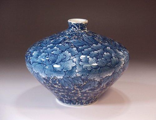 Arita - Imari pottery vase - arabesque peony | gifts | Gifts | souvenir | gift | potter Fujii NishikiAya