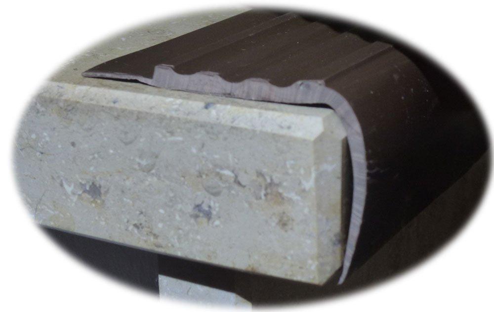 Treppenkantenprofil dunkelbraun Kunststoff PVC 1m k/ürzbar Treppenwinkel 1