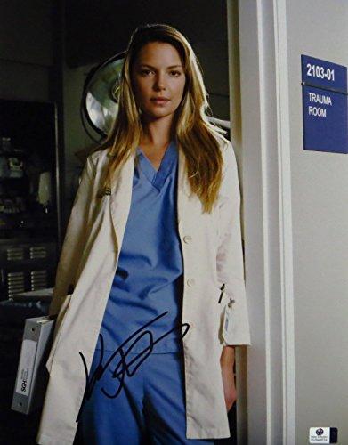 Katherine Heigl Signed Autographed 11X14 Photo Grey's Anatomy in Scrubs GV849524 Katherine Heigl Signed