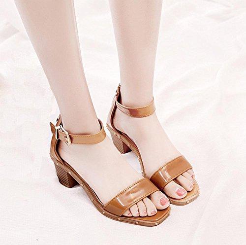 verano de la perla palabra cabeza de pescado hebilla sandalias de tacón alto sandalias de las mujeres, con gruesos zapatos salvajes Dark Brown