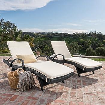 Amazon Com Olivia Patio Furniture Outdoor Wicker Chaise