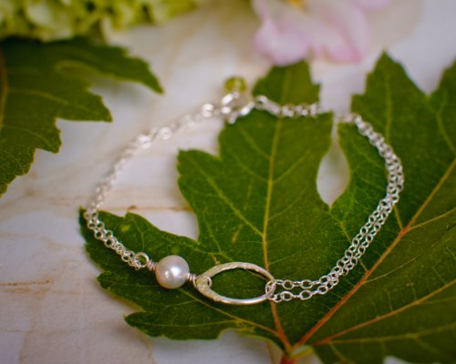 EFYTAL Friendship Bracelet, Sterling Silver Eternity Karma Circle with Cultured Pearl