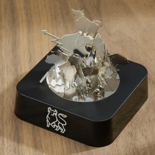 bull-vs-bear-magnetic-sculpture