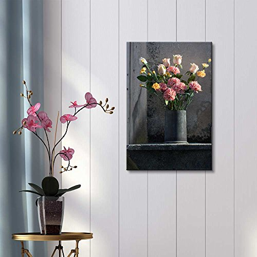 Flower Arrangement with Romantic Mood in Vase