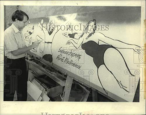 Vintage Photos 1983 Artist Rene Molineaux Works in his New York Silk Screen Studio
