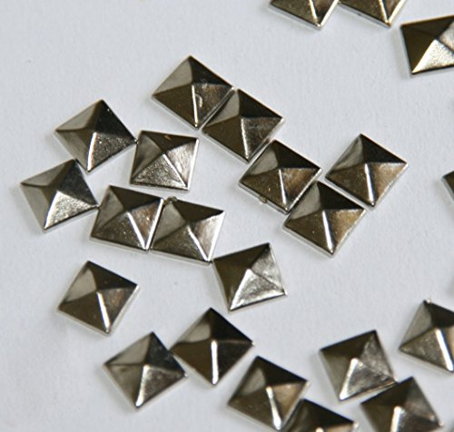 SODIAL(R) 100pc Hotfix Iron On, 7mm Flat Back Silver Pyramid Studs - 1/4