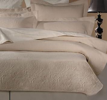 Amazon.com: Barcelona Matelasse Coverlet, King, Ivory: Home & Kitchen : matelasse quilt - Adamdwight.com