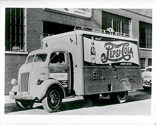 1941-pepsi-cola-bottlers-truck-factory-photo