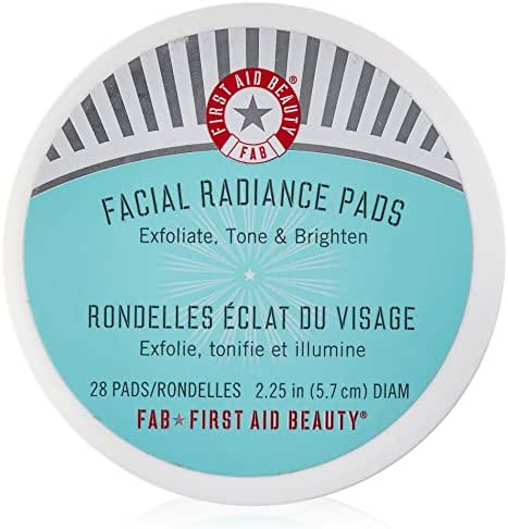 Facial Cleansing Wipes: First Aid Beauty Facial Radiance Pads
